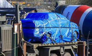 La police récupère pour analyses la voiture qui a servi à conduire Ioulia, la fille de l'ex-espion russe empoisonné, depuis l'aéroport.