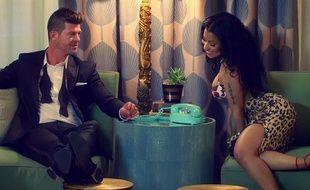 Robin Thicke et Nicki Minaj dans le clip de