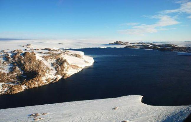 La baie des oiseaux en Antarctique, le 9 mars 2008.