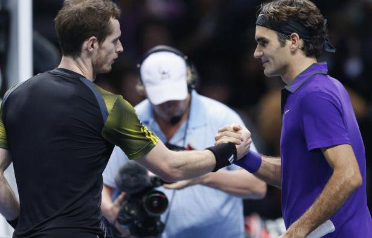 Les tennismen Andy Murray (g.) et Roger Federer, lors de leur match à Londres, le 11 novembre 2012. – S.Plunkett/REUTERS