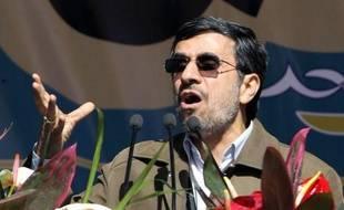 """L'Iran """"ne pardonnera pas"""" aux pays arabes du Golfe s'ils soutiennent les """"complots"""" des Etats-Unis contre Téhéran, a affirmé le président du parlement iranien Ali Larijani cité dimanche par les médias."""