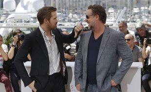 Ryan Gosling et Russel Crowe font les pitres lors du photocall ce dimanche 15 mai 2016.