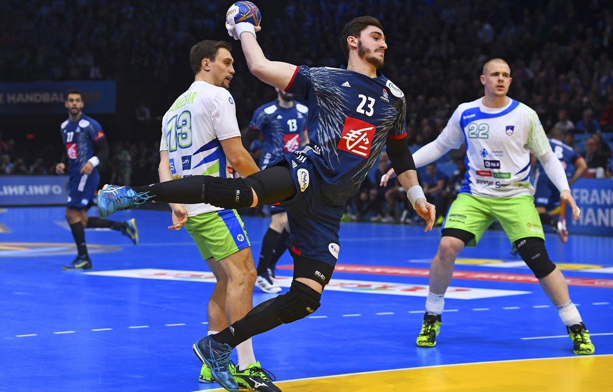 Ludovic Fabregas avec l'équipe de France face à la Slovénie en demi-finale des championnats du monde, le 26 janvier. – FRANCK FIFE / AFP