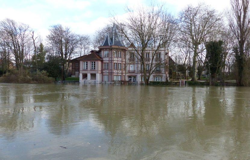 Video Crue De La Seine Joinville Le Pont Fait Face A La Crue