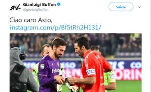 Gianluigi Buffon rend hommage à Davide Astori, décédé le 4 mars 2018.