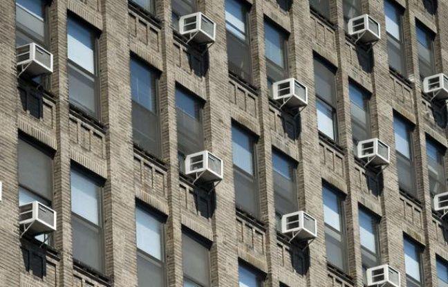 Des climatiseurs sur un immeuble new-yorkais.