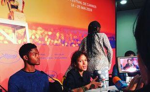 Mati Diop (au centre), en conférence de presse pour son film Atlantique