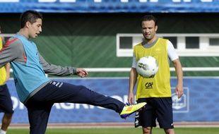 Samir Nasri et Mathieu Valbuena lors d'un entraînement de l'équipe de France, le 31 août 2011 à Clairefontaine.