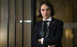 Cedric Villani a reçu la médaille Fields en 2010 et veut, aujourd'hui, partager et désacraliser les maths.
