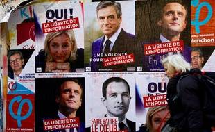 Les affiches des candidats à la présidentielle dans une rue de Paris, en avril 2017.