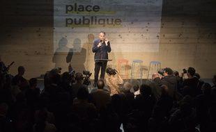Raphael Glucksmann, lors du lancement de son nouveau parti 'Place publique' à Montreuil, près de Paris, le 15 novembre 2018.