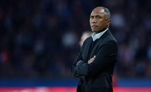 L'entraîneur lensois Antoine Kombouaré lors d'un match de L1 face au PSG, le 7 mars 2015.