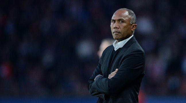 Ligue 2 Antoine Kombouar 233 Reste Entra 238 Neur Du Rc Lens