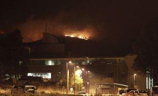 Le National Laboratory de Los Alamos menacé par un feu de forêt, le 28 juin 2011 aux Etats-Unis.