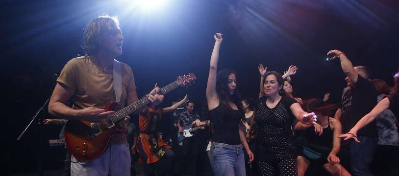 Emir Kusturica lors d'un concert à Santiago (Chili) en novembre.