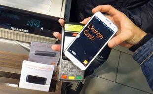 Lille, le 5 novembre 2014 - Lancement d'Orange Cash qui permet de transformer son mobile en porte-monnaie pour régler ses achats.