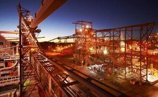 Photo remise le 9 février 2012 par le groupe BHP Billiton montrant son usine de transformation, située près de sa mine souterraine de cuivre, d'uranium, d'or et d'argent de Olympic Dam, dans l'état de South Australia