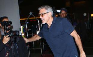 Les jumeaux Clooney ont atterri à Milan avec leurs parents
