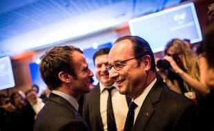 Emmanuel Macron et François Hollande se sont croisés au dîner du Crif, le 22 février 2017.