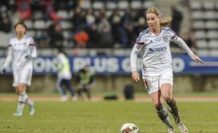 Amandine Henry sera de retour dans le groupe lyonnais samedi à Rodez. Pour fêter un neuvième titre de suite en championnat?