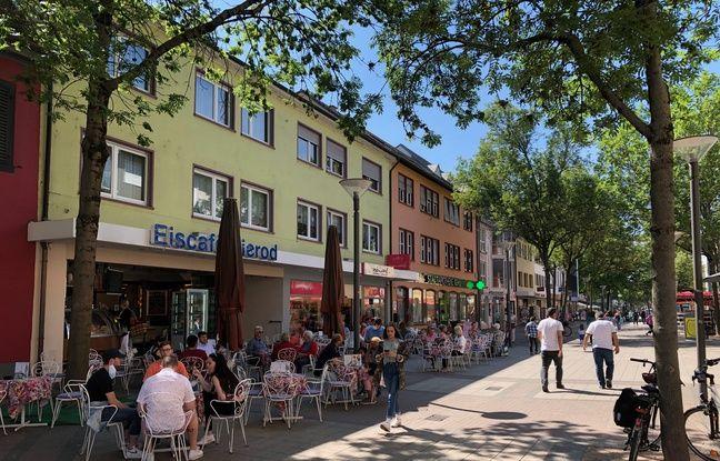 La rue principale de Kehl, avec ses terrasses autorisées à rouvrir depuis ce lundi 18 mai.
