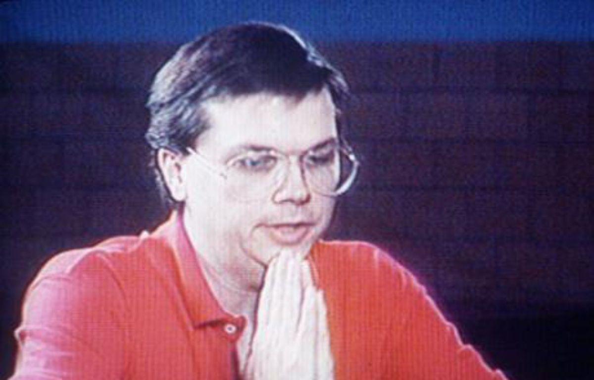 Marc D. Chapman, l'assassin de John Lennon en prison, le 4 décembre 1992. – A. HILL / SIPA