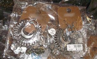 Les douanes françaises ont saisis 6.888 bijoux fantaisie aux taux particulièrement élevés de métaux dangereux.
