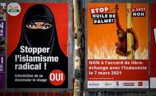 Les affiches de la campagne de votation de ce dimanche.