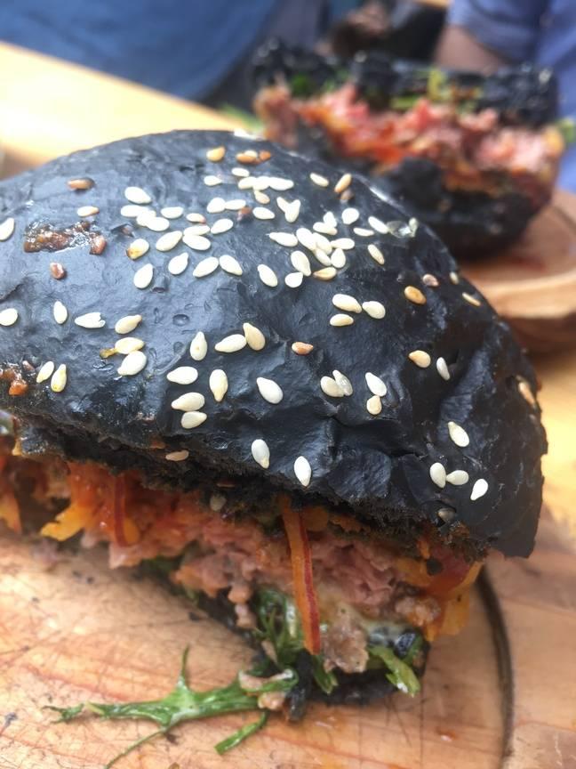 Le burger Black OG à peine entamé...
