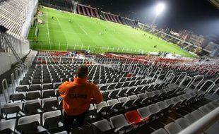 Un stadier dans le stade du Ray de l'ogc Nice.