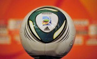 """L'équipe de France féminine des moins de 17 ans est aux portes du rêve de toute sélection, puisque les """"Bleuettes"""" disputent samedi à Bakou en Azerbaïdjan la finale du Mondial-2012 face à la Corée du Nord (coup d'envoi 17h00, heure française)."""