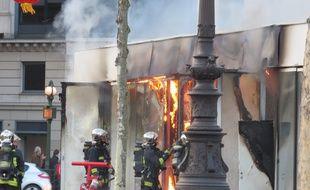 Incendie place de la République