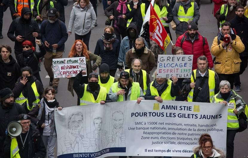 Les cinq infos dans le rétro : Bras de fer sur les retraites, Willy Bardon hospitalisé et Mayotte en alerte rouge