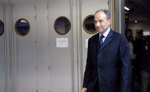 """Le secrétaire général de l'UMP, Jean-François Copé, a estimé mercredi que le patron des sénateurs socialistes, François Rebsamen, avait """"dit tout haut ce que tout le monde pense, à gauche comme à droite"""" en s'opposant au non-cumul des mandats."""