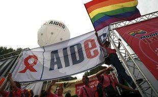 Illustration de l'association Aides, lors de la Gay pride à Paris en 2007