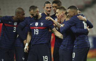 Le Français Antoine Griezmann célèbre après avoir marqué le deuxième but de son équipe avec ses coéquipiers lors du match de football amical entre la France et le Pays de Galles au stade Allianz Riviera de Nice, le mercredi 2 juin 2021.