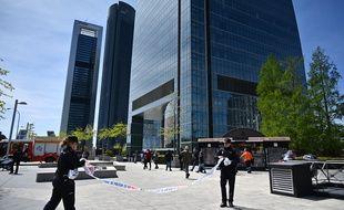 Une tour a été évacué aux Quatre Tours, un centre d'affaire de Madrid, en Espagne, le 16 avril 2019.