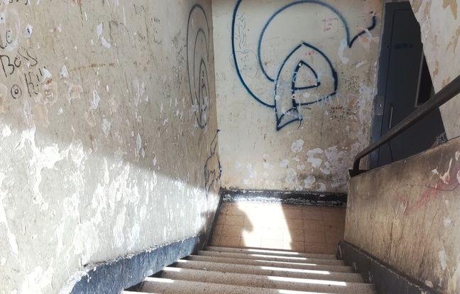 Une cage d'escalier au Parc Corot