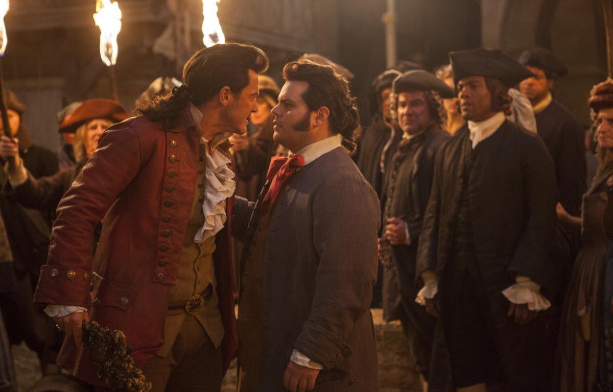 Luke Evans (Gaston) et Josh Gad (Le Fou) dans «La Belle et la Bête». – Walt Disney Pictures