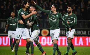 Vincent Pajot et Yann M'Vila sous les couleurs de Saint-Etienne, ici avec Mathieu Debuchy et Neven Subotic.