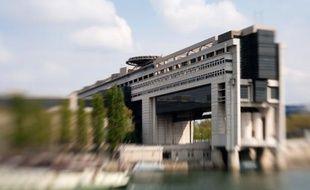"""Le gouvernement s'attaque avec la rentrée au """"mur"""" du budget 2013, avec un double défi compliqué par la panne de l'économie: réaliser la réforme fiscale promise par François Hollande et trouver plus de 30 milliards pour réduire les déficits."""