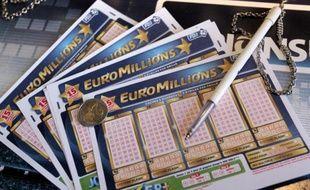 """Euro Millions, l'""""Airbus de la chance"""", qui a décollé il y a dix ans avec neuf pays européens, a quadruplé son chiffre d'affaires pendant cette période devenant un phénomène de société avec ses cagnottes qui peuvent grimper jusqu'à 190 millions d'euros."""