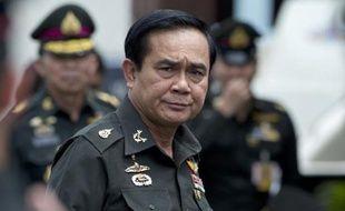 Le général Prayut Chan-O-Cha, chef de la junte thaïlandaise, lors du 21e anniversaire du régiment d'Infanterie dans la province de Chonburi le 21 août 2014