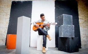 Le chanteur Mickaël Dos Santos