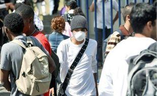Dans les rues de La Réunion, département où l'on recense déjà 71.000 cas de grippe A.