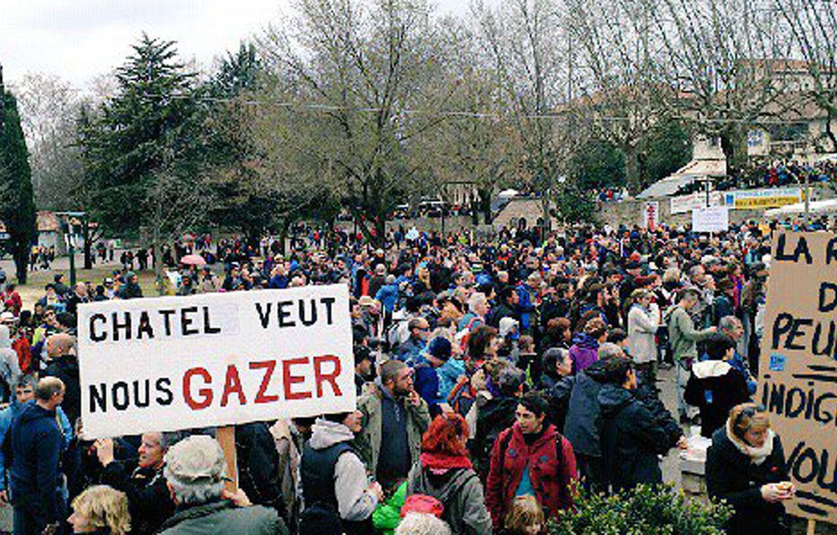 Des milliers de manifestants se sont réunis à Barjac pour s'opposer au projet d'exploitation du gaz de schiste – Jérôme Diesnis / Maxele Presse