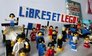 Des vieux modèles de Lego. Ici chez Raphaël, à Rennes, un collectionneur.