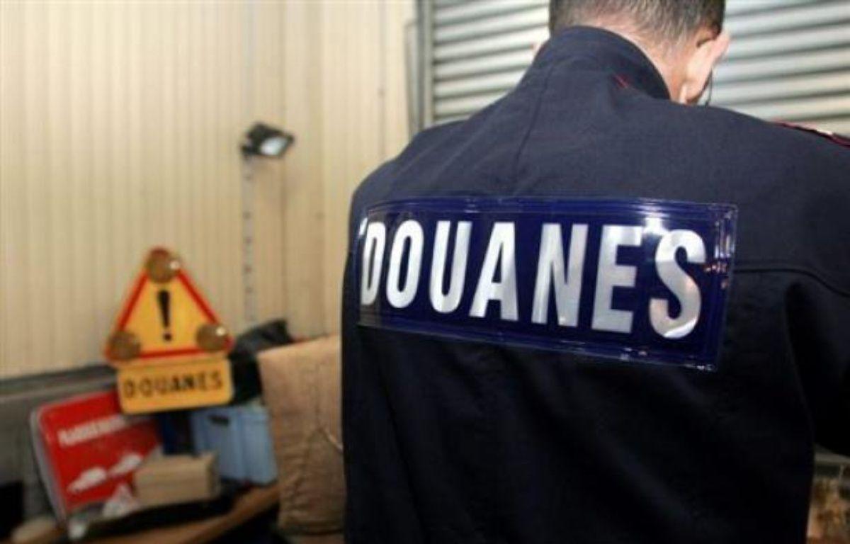 Le déficit commercial s'est réduit en 2015 en France, selon les Douanes – Denis Charlet AFP
