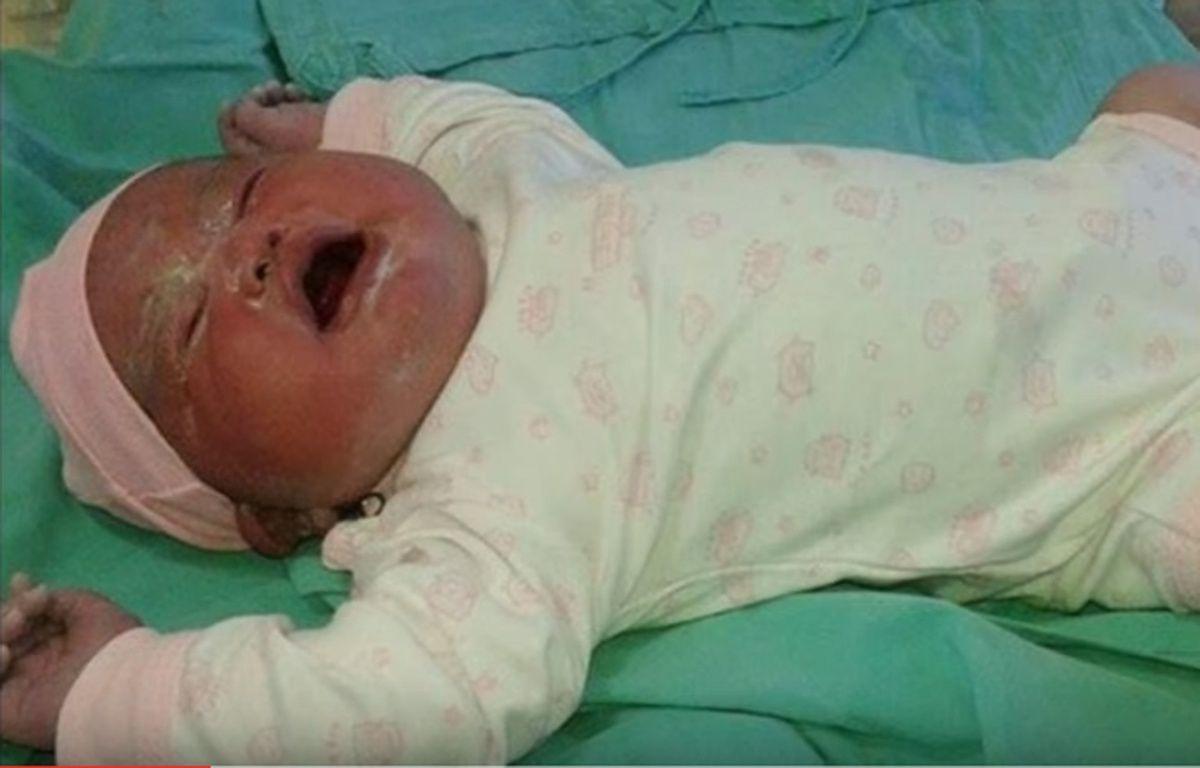 Olivia, le plus gros bébé d'Argentine (6,130kg), est née lundi 15 février 2016 à Cipoletti.  – Capture d'écran You Tube