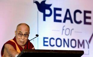 Le chef spirituel tibétain, le dalaï lama, le 6 décembre 2015 à Bangalore, en Inde